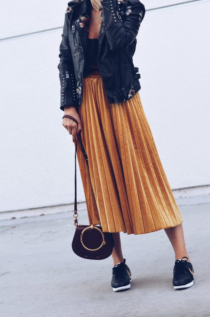 how to wear a skirt with sneakers